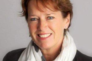 Lorraine Kelly interviewing Trustee Cindy Smulders on FND